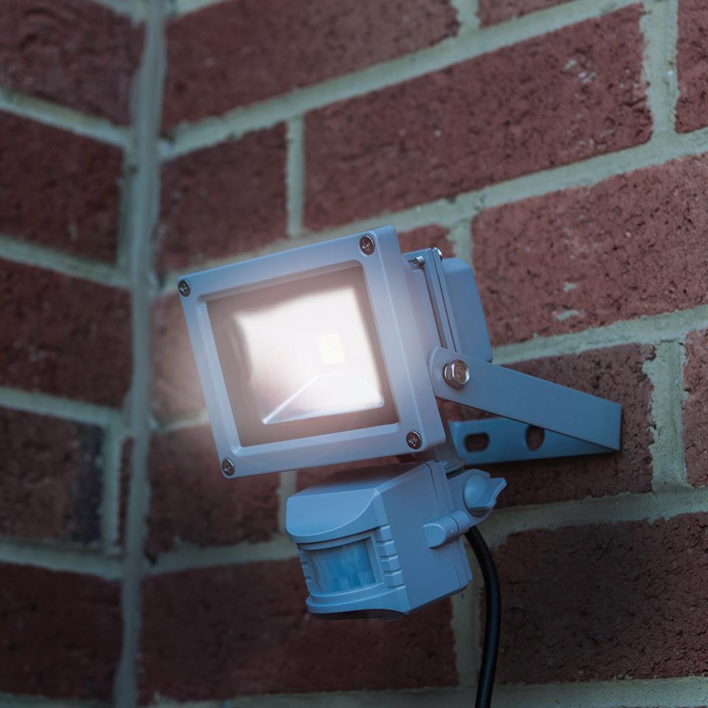 projecteur led ip65 avec d tecteur de mouvement infra. Black Bedroom Furniture Sets. Home Design Ideas